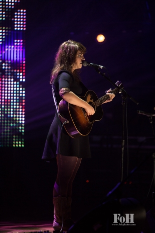 Lisa Leblanc performs at The 2017 Polaris Music Prize Gala